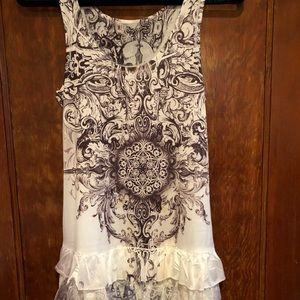 Tops - Whimsical tunic size small. Very feminine.